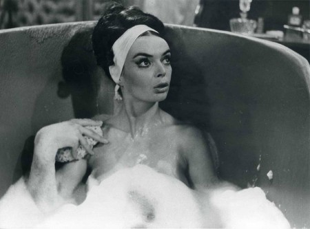 barbara_steele_takes_a_bath-1040x770.jpg