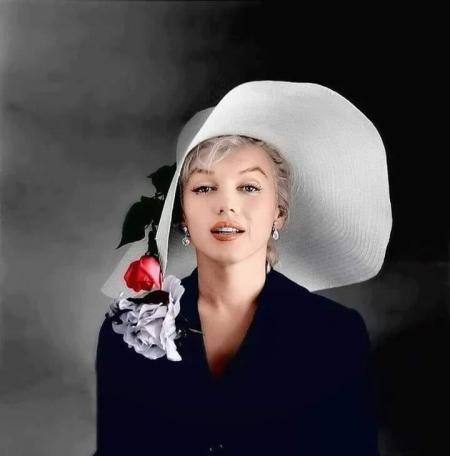 Monroe chapeau.jpg